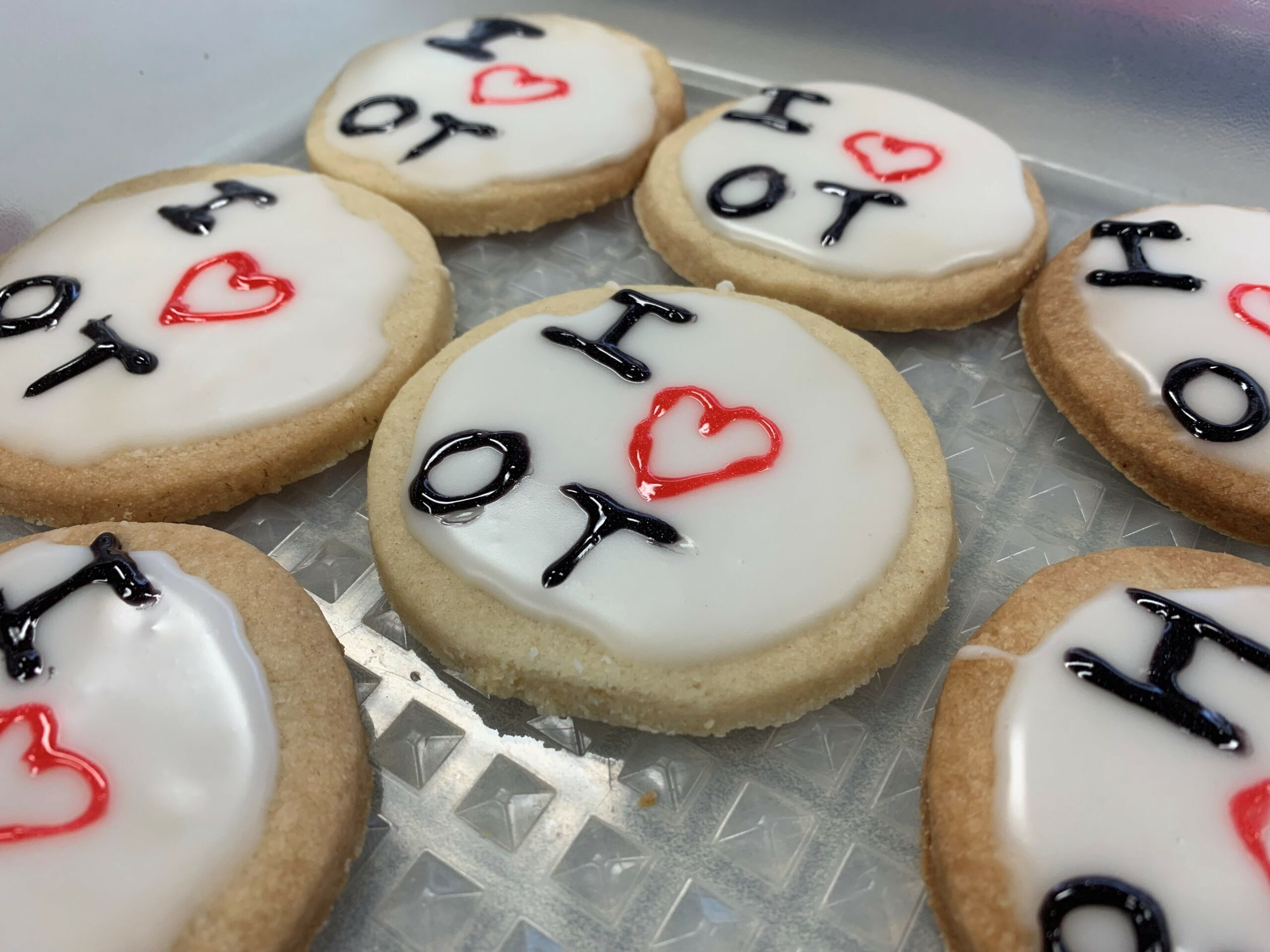 "I ""heart"" OT cookies on a plate"